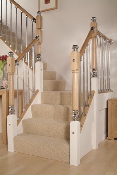 Фото 31 Деревянная лестница с балясинами из металла